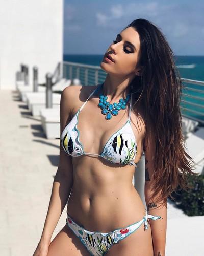 Valentina Vignali in Bikini a Miami - 02 maggio 2017
