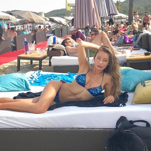 Alessia Tedeschi in Bikini a Ibiza - 09 giugno 2017