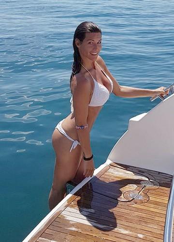 Barbara Pedrotti in Bikini a Sirmione - 18 giugno 2017