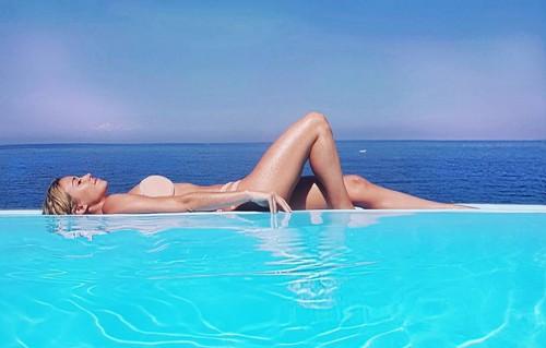 Diletta Leotta in Bikini in Sicilia - 11 giugno 2017
