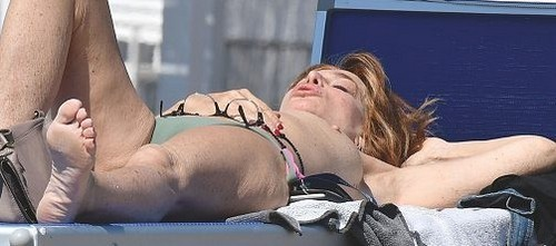 Giuliana De Sio in Topless : Paparazzata a Fregene - da Oggi Giugno 2017
