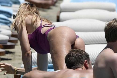 Ilary Blasi in Bikini : Paparazzata a Mykonos - Giugno 2017