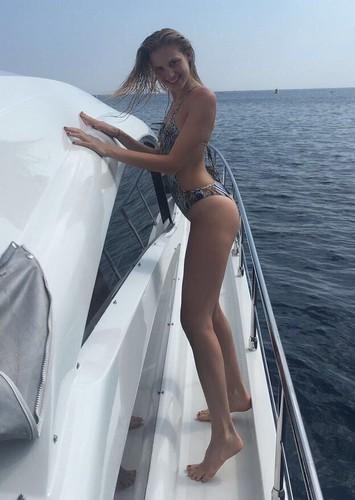 Irene Cioni in Bikini a Cap-Ferrat -18 giugno 2017