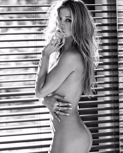 Joanna Krupa Nuda in Viva Magazine Photoshoot - Giugno 2017