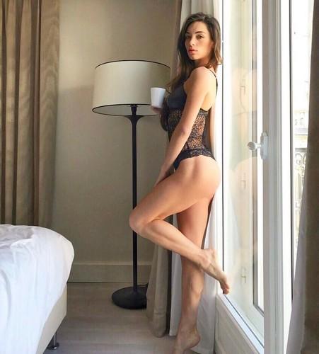 Lorella Boccia in Bikini e Lingerie dalla Spa - 12 giugno 2017