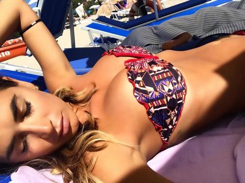 Melissa Satta : Seno da Favola in Bikini a Porto Cervo - 23 giugno 2017
