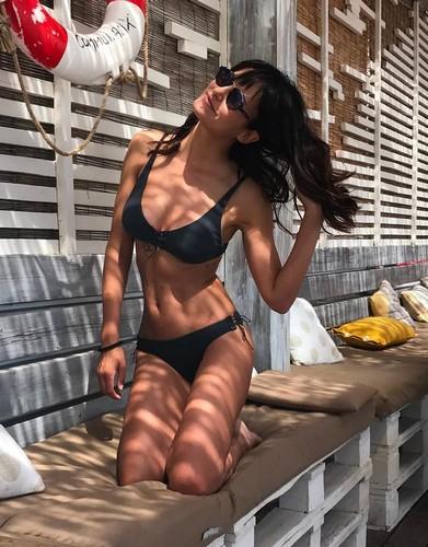 Michela Coppa in Bikini a Cannes - 11 giugno 2017