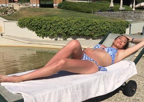 Tessa Gelisio in Bikini dalla Spa - 17 giugno 2017
