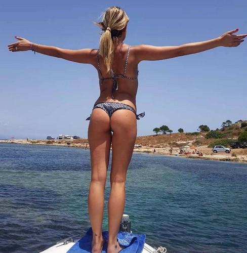 Costanza Caracciolo : Lato B Spaziale in Bikini in Sicilia - 02 luglio 2017