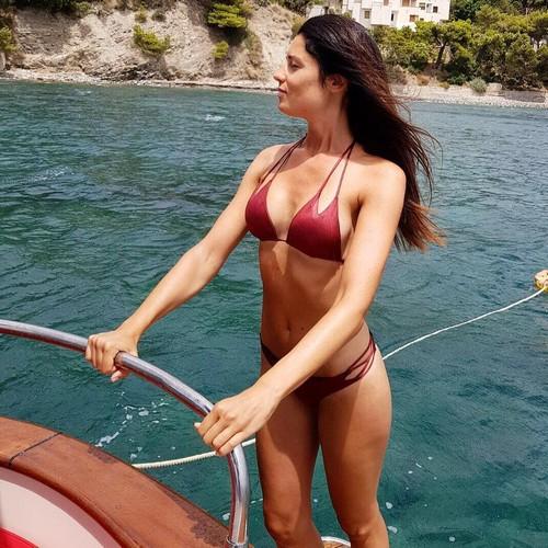 Daniela Ferolla in Bikini dalla Campania - 02 luglio 2017