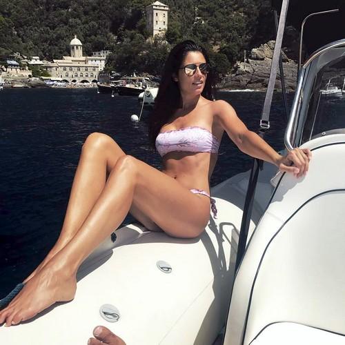 Daniela Ferolla in Bikini in Liguria - 08 luglio 2017