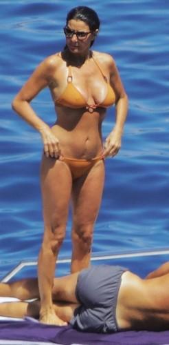 Ilaria D'Amico in Bikini : Paparazzata al Giglio da Chi - Luglio 2017