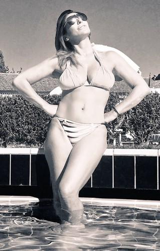 Sabrina Salerno : Strepitosa in Bikini - In Bianco e Nero e a Colori - 16 Luglio 2017