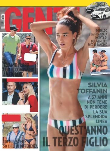 Silvia Toffanin in Bikini a Paraggi Paparazzata da Gente - Luglio 2017