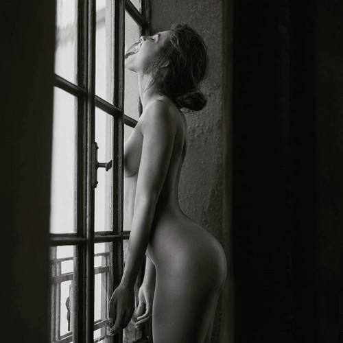 Dayane Mello Completamente Nuda : Servizio Fotografico Sconosciuto 2017