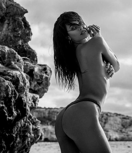 Dayane Mello : Lato B da urlo in micro bikini - Servizio fotografico sconosciuto