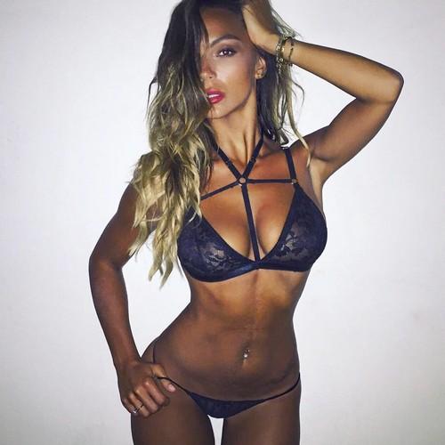 Sarah Nile in sexy lingerie - 21 ottobre 2017