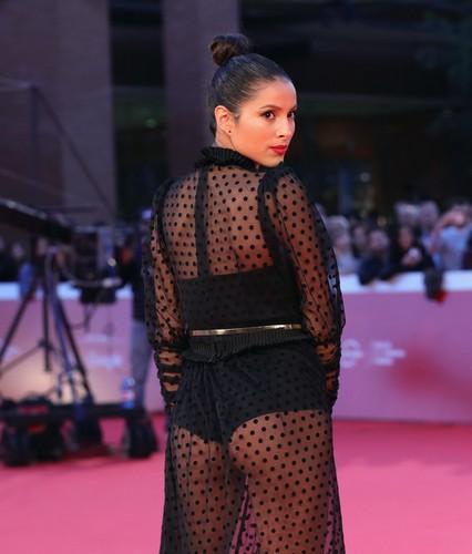 Mariana Rodriguez : Trasparenze da urlo sul red carpet alla mostra del cinema di Roma - 31 ottobre 2017