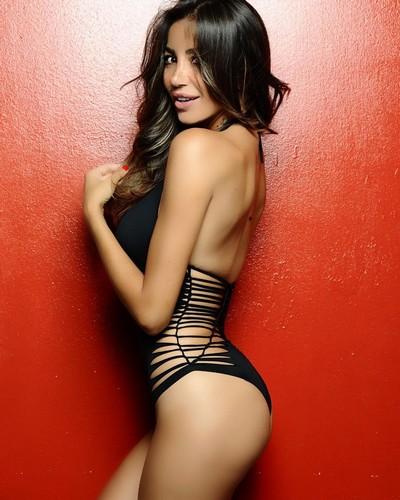 Rosaria Cannavo' in sexy bikini : Servizio fotografico sconosciuto